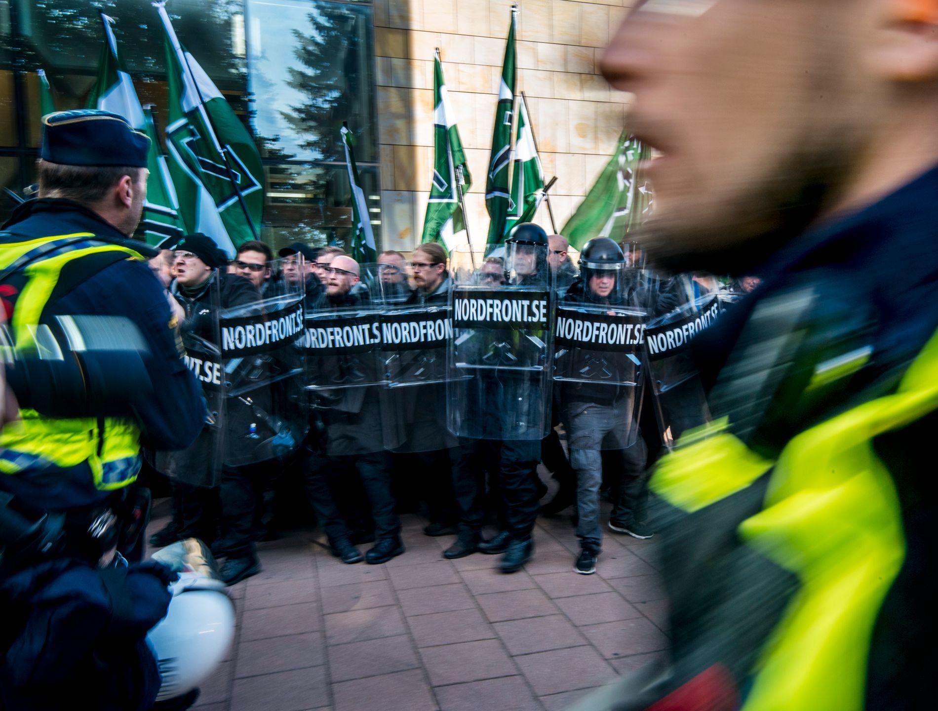 NAZIDEMONSTRASJON I DAG: Nordiske motstandsbevegelsen skal igjen marsjere i Sveriges gater i dag. Bilder er tatt under en demonstrasjon i Göteborg i september 2017.