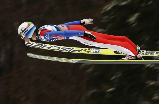 STILIG: Rune Velta på vei ned mot tredjeplass i verdenscupavslutningen i Planica.