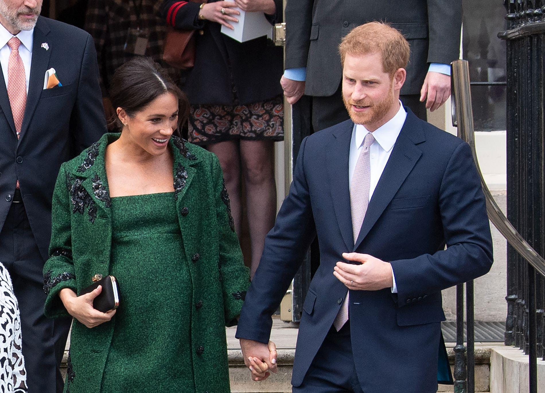 HEMMELIGHETSFULLE: Allerede tidlig i april kunngjorde hertuginne Meghan (37) og prins Harry (34) at de ville holde fødselen hemmelig. Til og med termindatoen har vært ukjent.