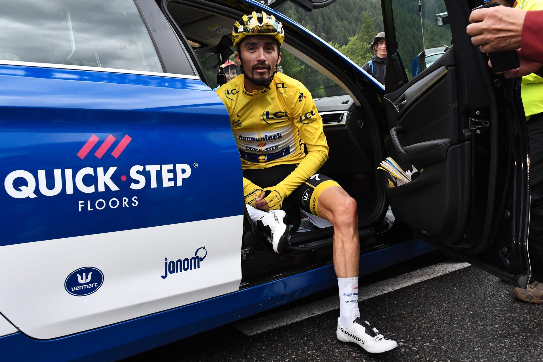SKUFFET: Julian Alaphilippe var tydelig misfornøyd etter å ha mistet den gule trøyen på den 19. etappen.