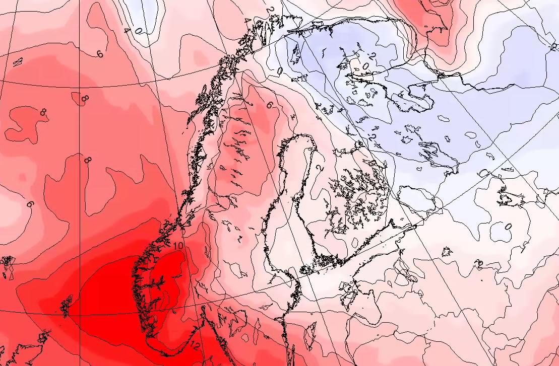 VARMEBOBLE: En varmluftskjerne – en rest av hetebølgen fra forrige uke – har kommet tilbake og lagt seg over Sør-Norge denne helgen, og kan gi inntil 27 varmegrader.