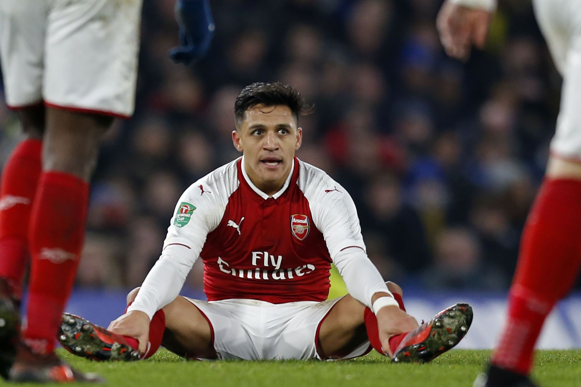 MANCHESTER-DUELL: Ifølge britiske medier kjemper både Manchester United og Manchester City om signaturen til Alexis Sánchez, her under onsdagens kamp mot Chelsea.