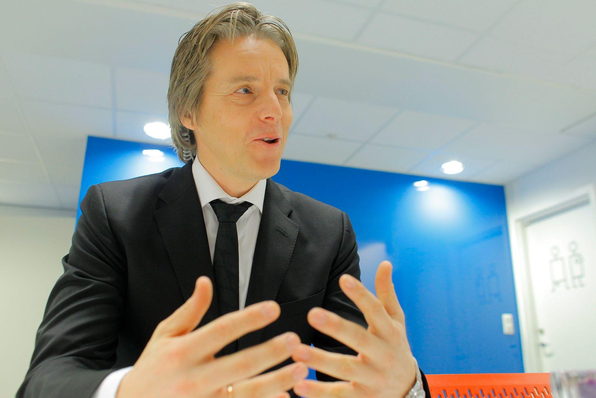 NETTVERKSBYGGER: Jan Åge Fjørtoft ble hyret inn av NIF blant annet for sine mange kontakter.