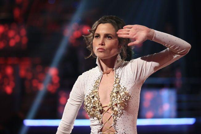 KJEMPET: Gitte Witt fikk lørdagens laveste dommerpoengsum og måtte etter seerstemmene ut i duell mot Christopher om hvem som fikk bli i konkurransen.