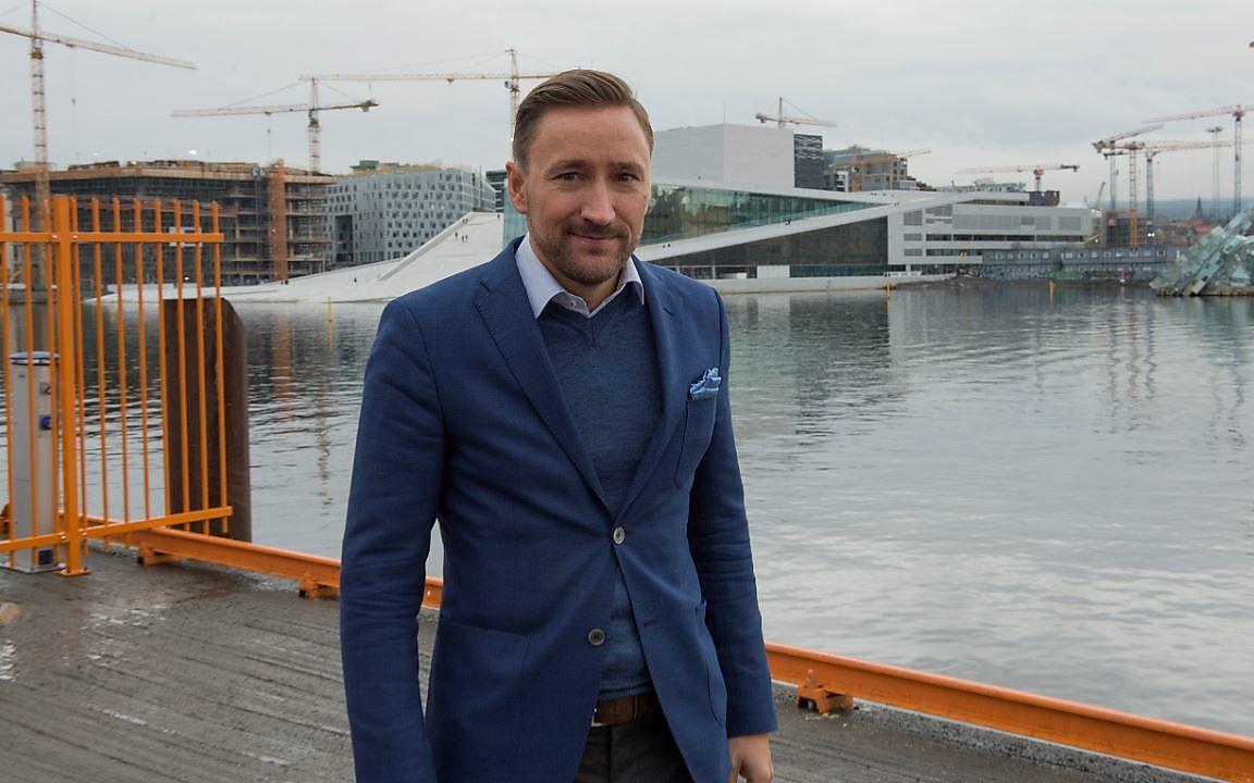 PÅ BANEN IGJEN: Morten Hegle Svendsen fotografert under Eurosports OL-presentasjon i Oslo. Trønderen blir ekspertkommentator i skiskyting under OL i Sør-Korea.