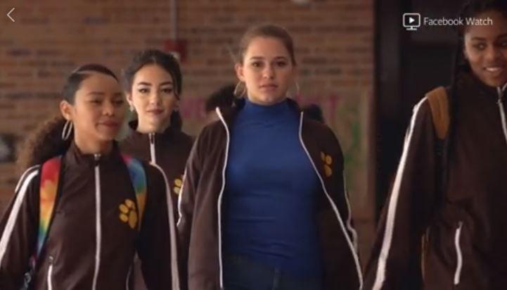 POPULÆR: Mens Sara er Evas nemesis i originalen, er cheerleaderen Abagail jenta Megan cyberstalker i «Skam Austin».