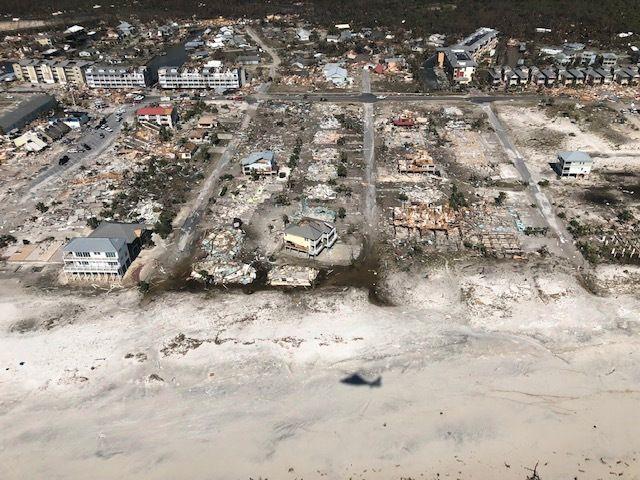 REV MED SEG HUS: Bilder tatt av US Coast Guard viser ødeleggelsene på Mexico Beach i Florida etter orkanen Michael.