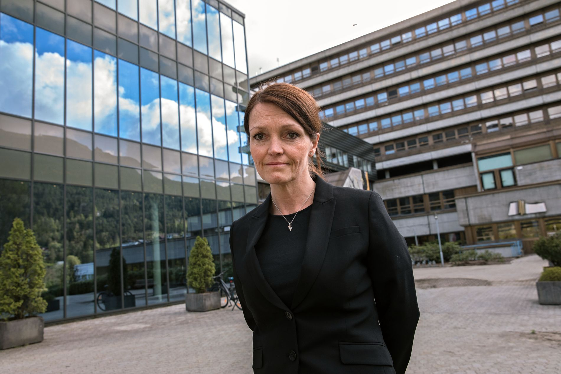– ALVORLIG: Fagdirektør ved sykehuset Førde, Trine Hunskår Vingsnes, opplyser at pasientens tilstand fortsatt er alvorlig.