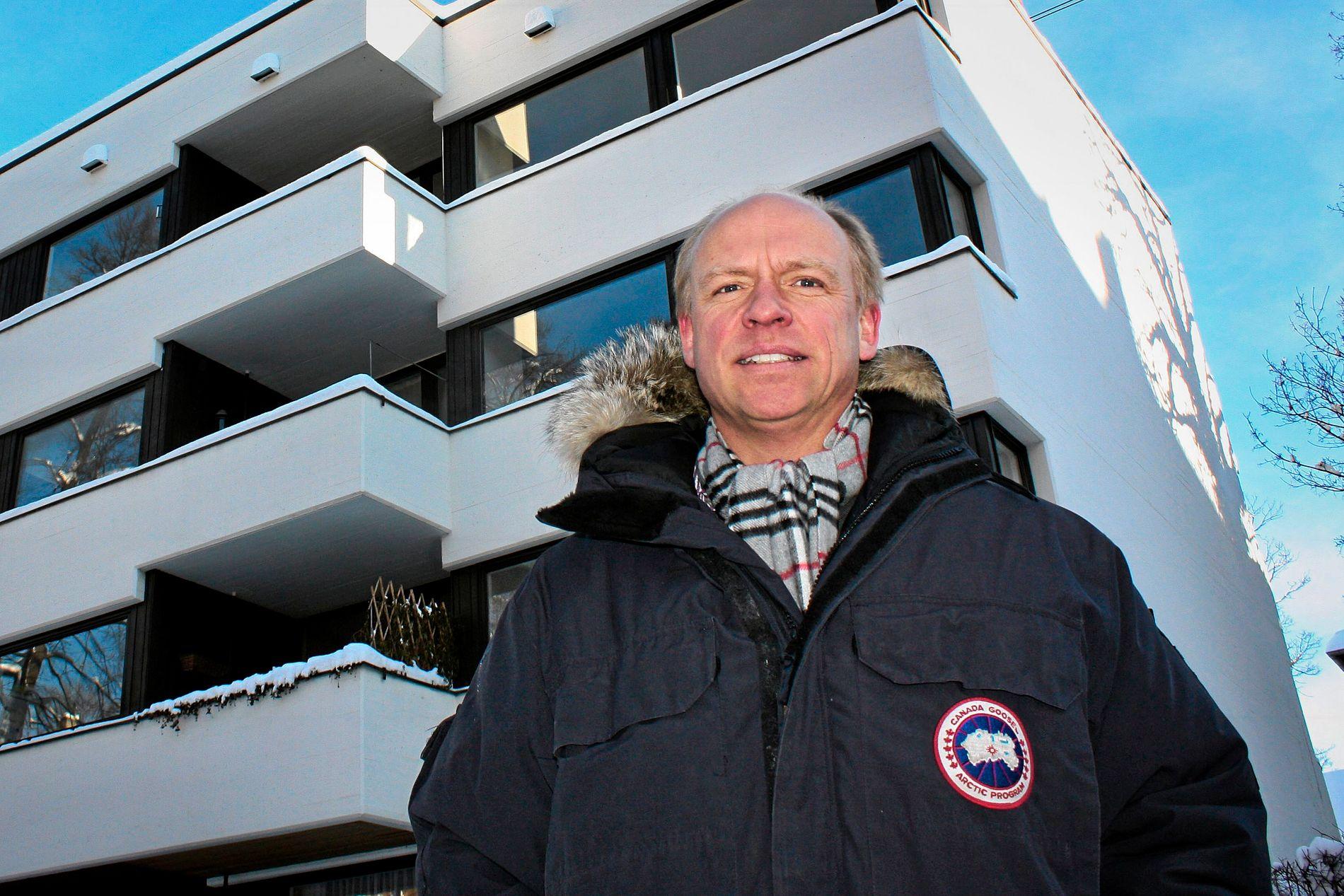 EIENDOMSINVESTOR: Tore Eiklid, her foran et bygg han eier i Frognerveien 21 i Oslo.