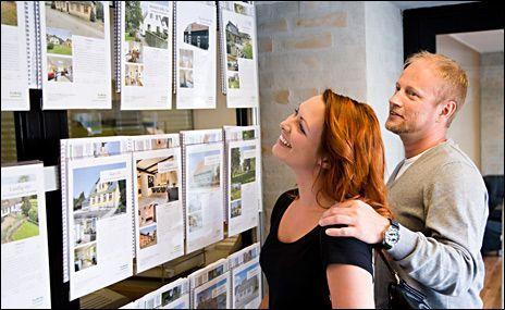 DYR BOLIGDRØM: Et stadig dyrere boligmarked - gjør at flere unge nå må få hjelp av foreldre til å skaffe sin egen bolig. Foto: Illustrasjonsfoto: Colourbox