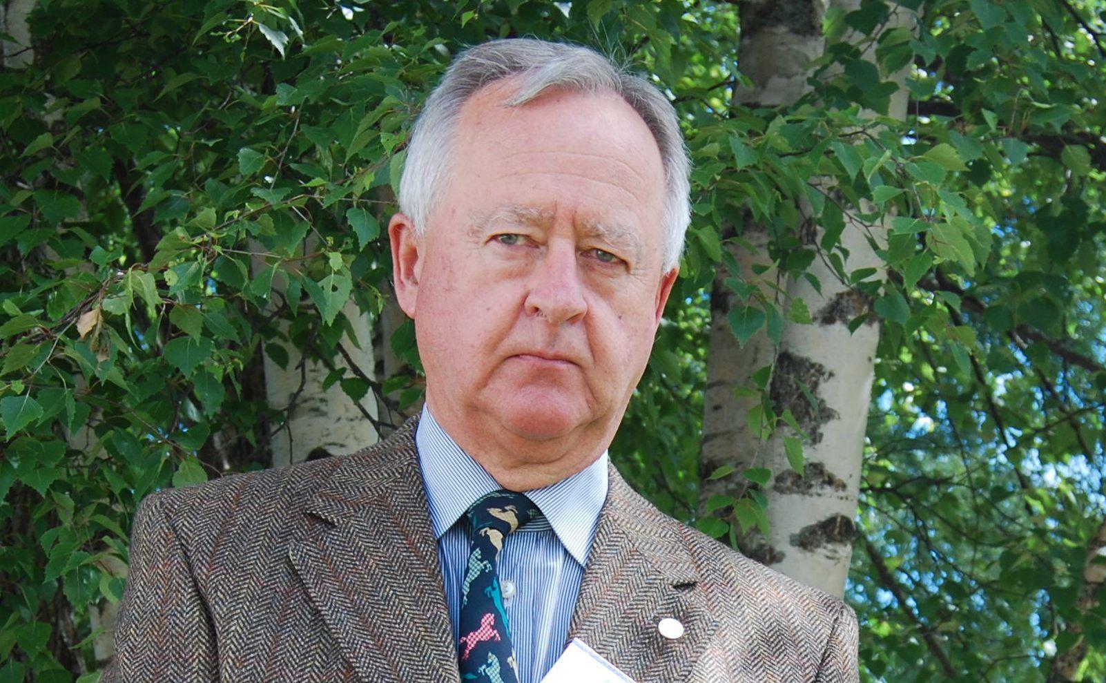 DØD: Johan C. Løken var valgt inn på Stortinget for Hedmark i årene 1981 til 1993. Han var medlem av Elverum kommunestyre og Hedmark fylkesting i 1970-årene.