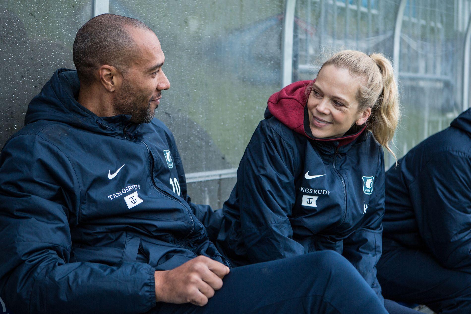 GODE FIENDER: John Carew og Ane Dahl Torp i «Heimebane».