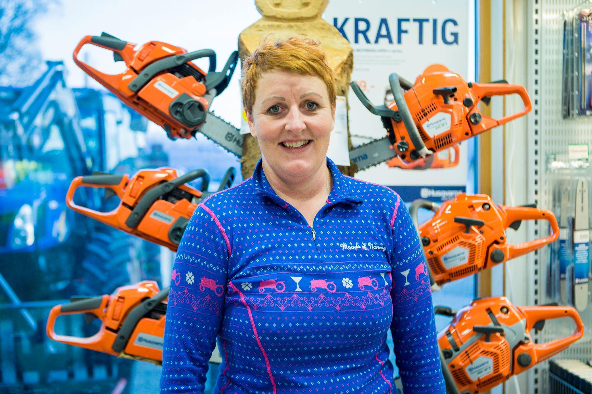 GLEDER SEG: Laila Lochert (40) vil bygge «Farmen»-hytta på Langøya i Vesterålen. Foto: Erlend Daae/VG