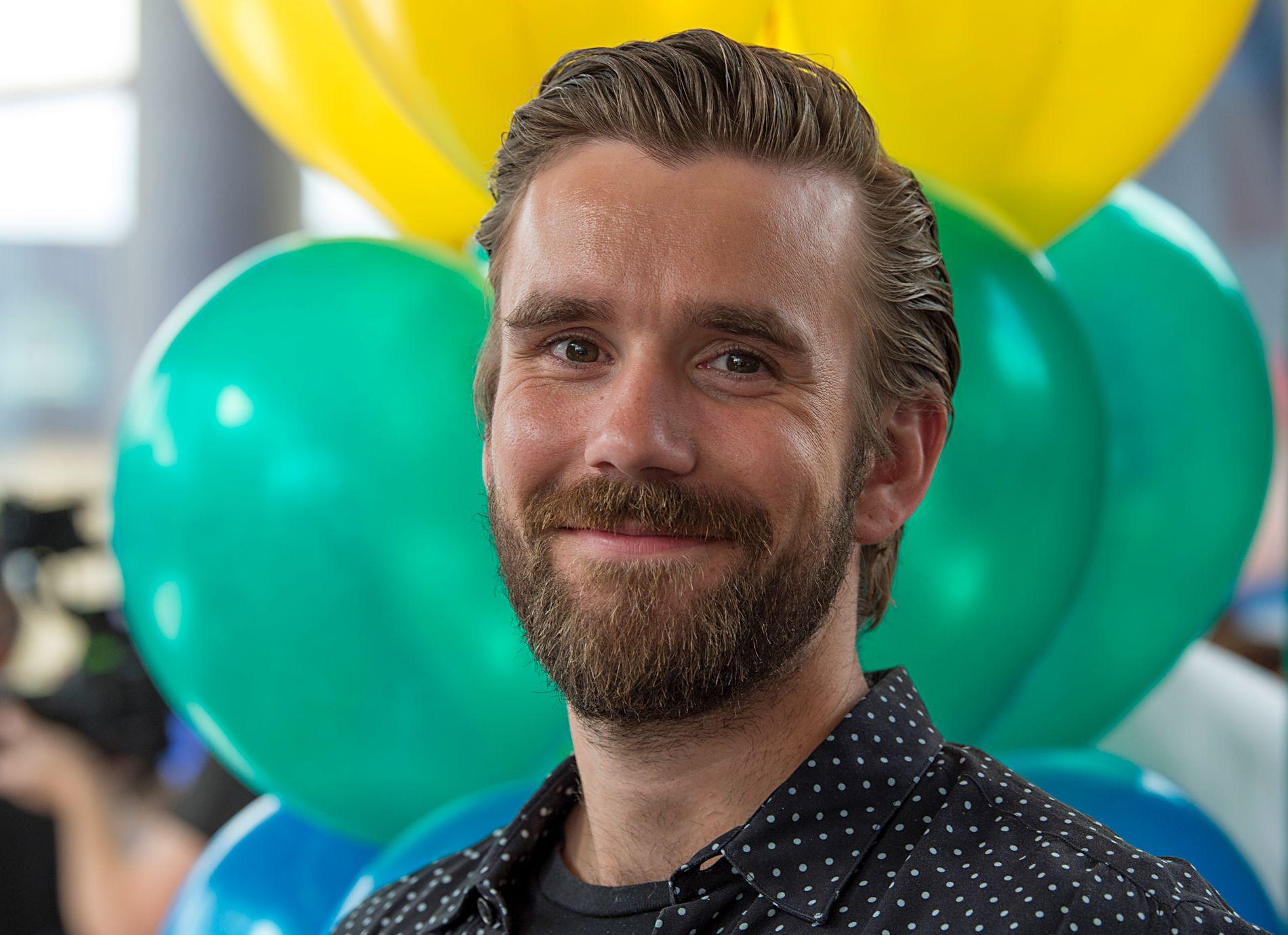 I PAPPAPERM: «Senkveld»-programleder Stian Blipp. Her på TV 2s høstlansering i august.