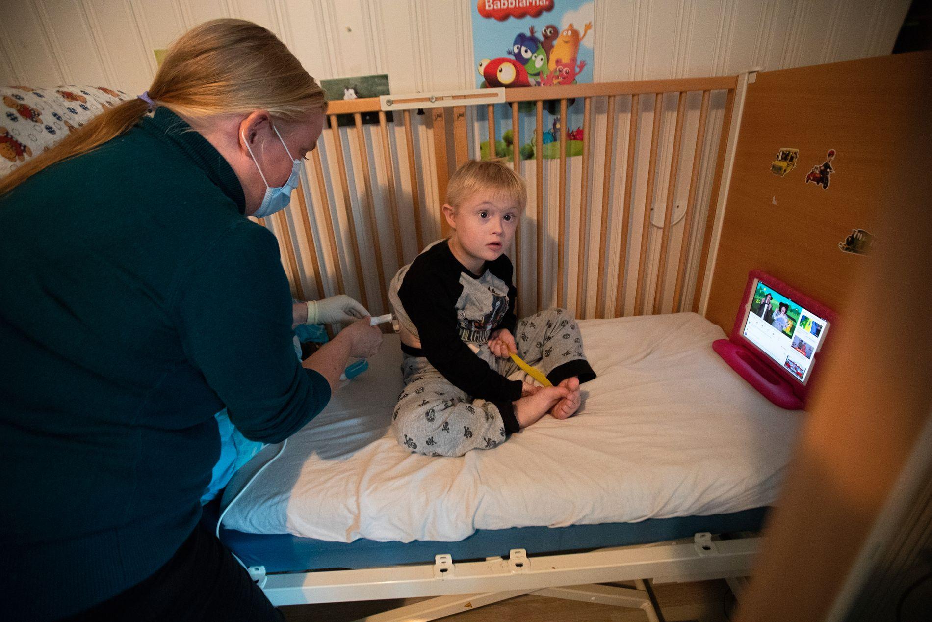BLIR IKKE HØRT: – Vi har forsøkt å få forsvarlig helsehjelp i tre år, men kommer ingen vei. Det er som å stange hodet i en murvegg, sier mamma Nina Bakkefjord.