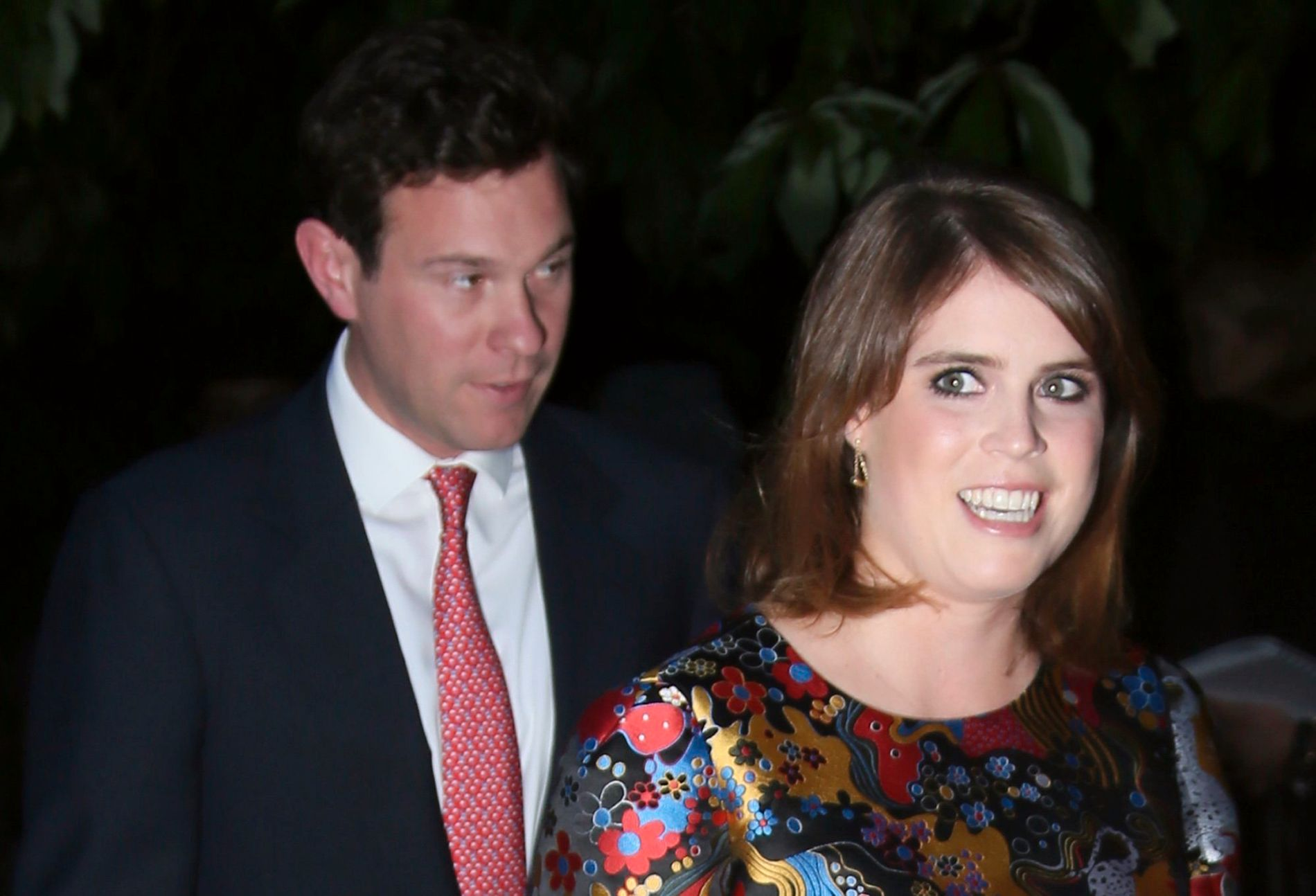 GIFTEKLARE: Prinsesse Eugenie og Jack Brooksbank på en kjendisfest i London i fjor sommer.