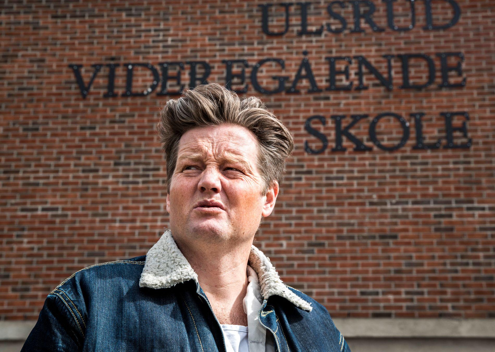 JOBBET I OSLOSKOLEN: Lærer og forfatter Simon Malkenes står bak Facebook-gruppen «Bak fasaden i Osloskolen» – og en bok med samme tittel.