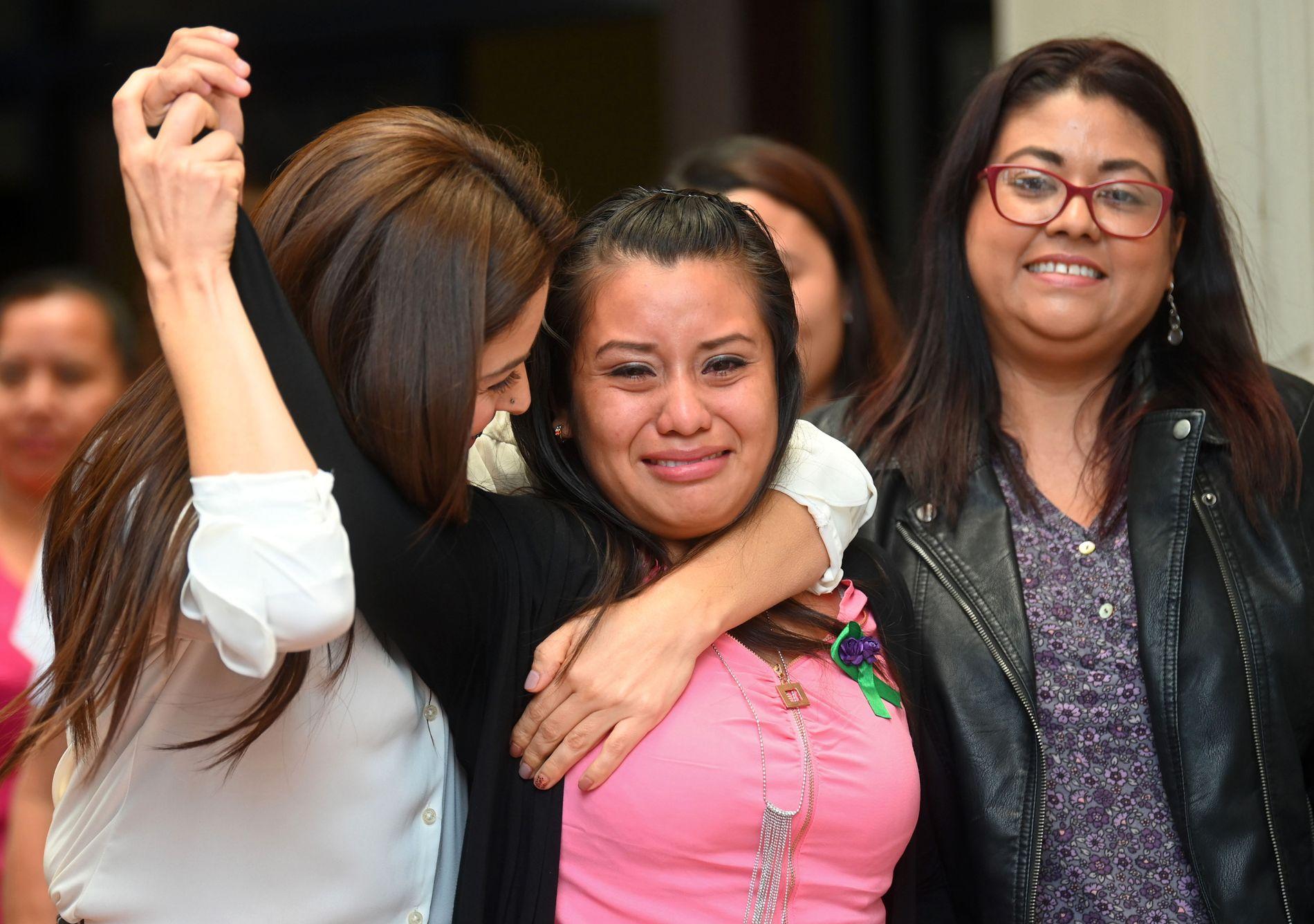 VANT FREM: Evelynd Hernández (21) ble mandag frifunnet i retten. Hun har tidligere vært dømt to ganger for å ha drept barnet sitt, som ble dødfødt for tre år siden.