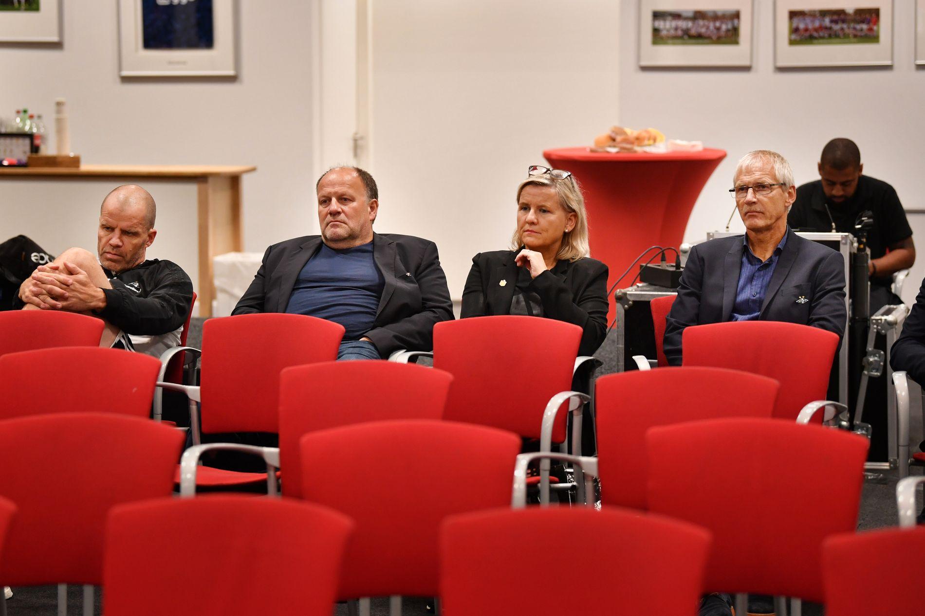 SNUR: Fra venstre: Sportslig leder Stig Inge Bjørnebye, styreleder Ivar Koteng, daglig leder Tove Moe Dyrhaug og speider Hallvar Thoresen i Rosenborg.