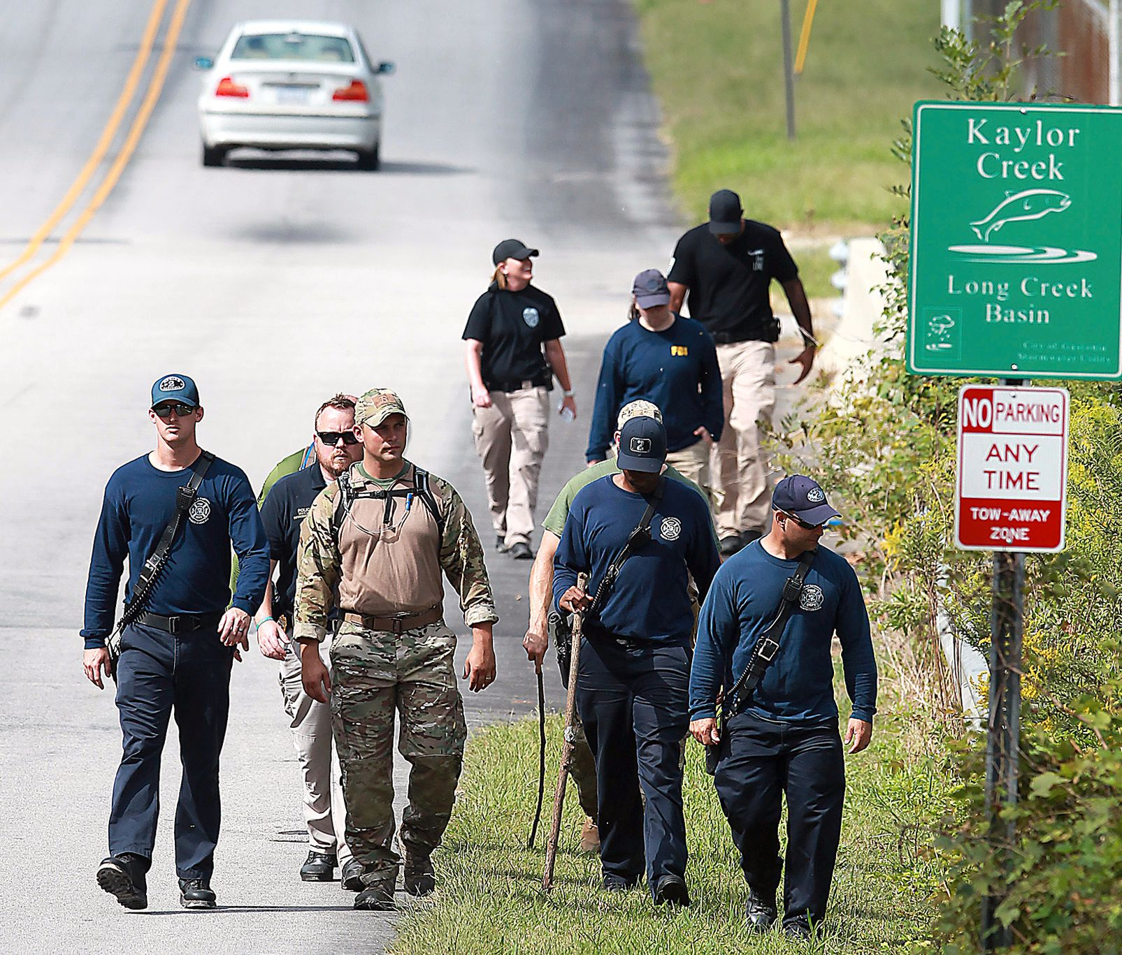 LETETEAM: Flere var også ute og lette etter Maddox onsdag. Både FBI og lokale nødetater og frivillige organisasjoner er involvert.
