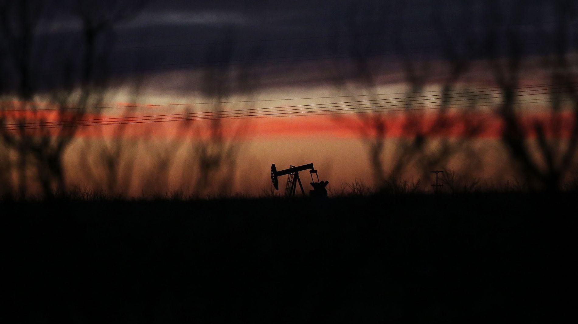 FULLE PUMPER: USAs dagsproduksjon av olje oversteg 10 millioner fat per dag i november, ifølge ferske tall fra EIA. Det er det høyeste månedstallet siden november 1970. Dette er en oljepumpe i Permian-regionen i Andrews i Texas.