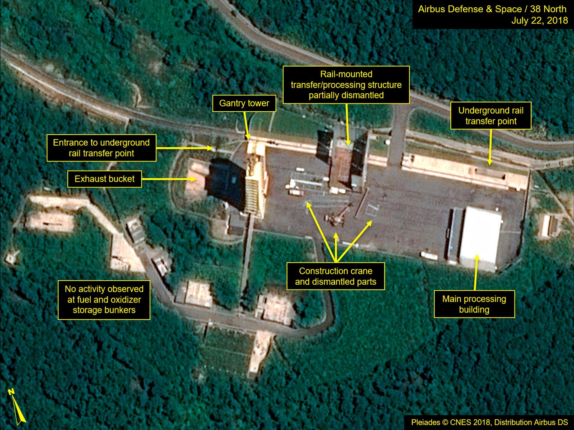 UTVIKLER NYE MISSILER: Nord-Korea er angivelig i ferd med å demontere deler av dette rakettanlegget i Sohae, men amerikansk etterretning tror landet produserer én til to interkontinentale missiler ved et annet anlegg.