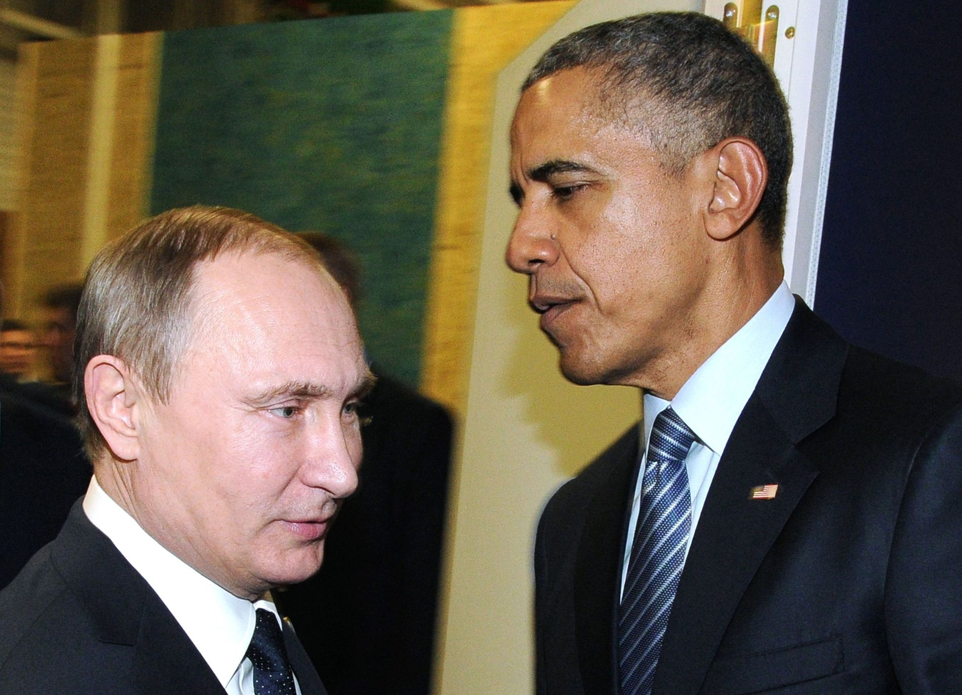 ISFRONT: Forholdet mellom USAs president Barack Obama og Russlands president Vladimir Putin er på frysepunktet. Bedre blir det ikke nå. Dette bildet er tatt i november i fjor. Foto: AFP