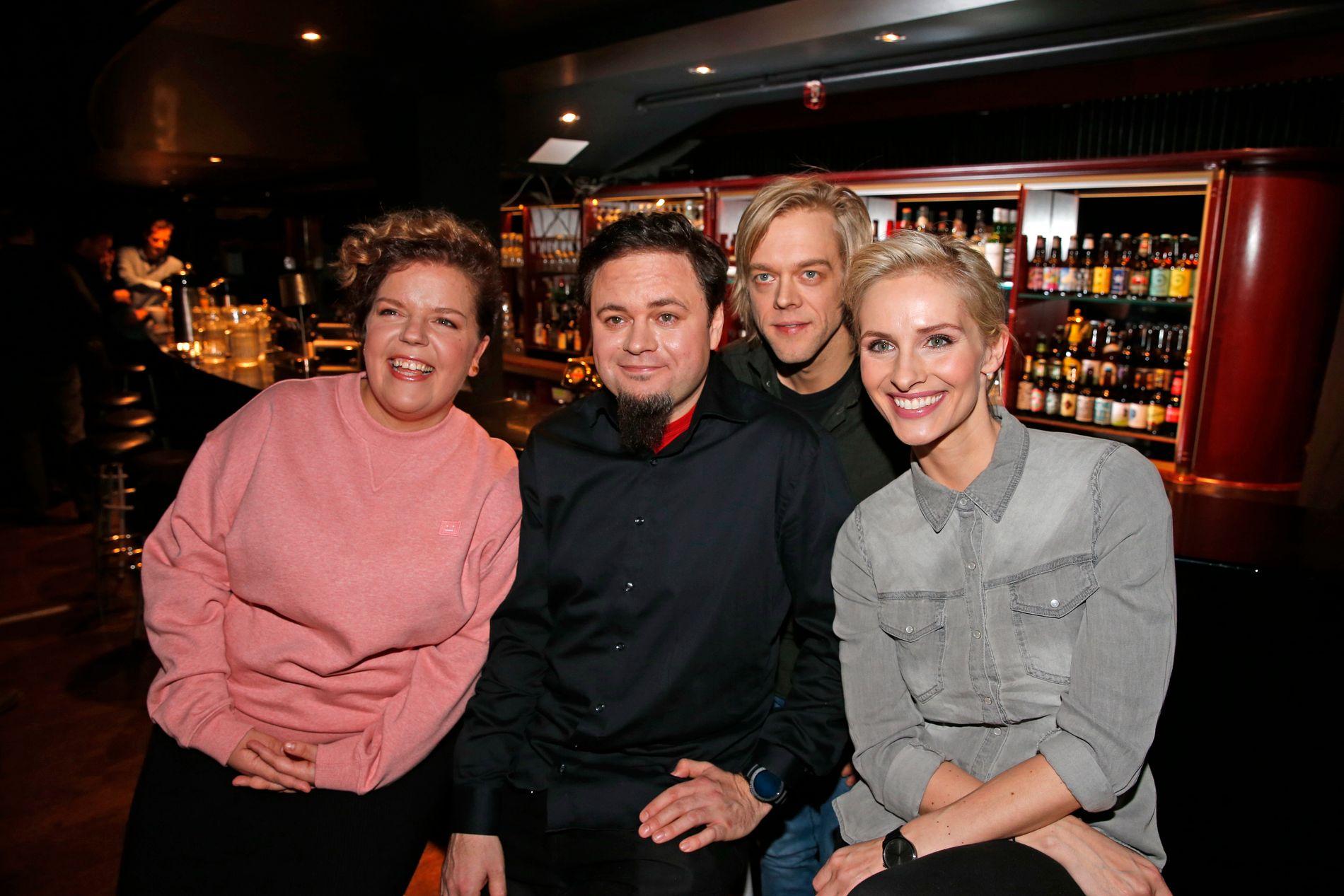 NYTT HUMORSHOW: VGs anmelder gir «Mandagsklubben» terningkast tre. Fra v.: Else Kåss Furuseth, Dag Sørås, Calle Hellevang-Larsen og Anne Rimmen.