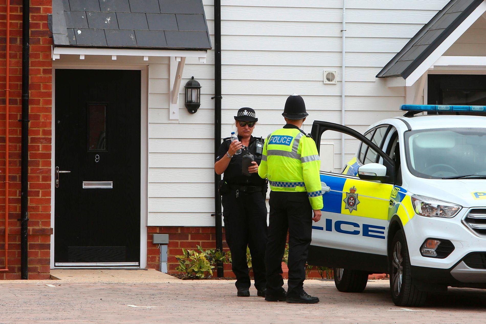 FANT GIFT: Politiet har funnet en flaske med nervegift i  Charlie Rowleys bolig i Amesbury. Bildet viser Rowleys bolig og ble tatt 4. juli.