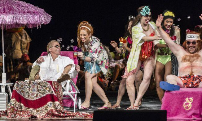 HOLDER IKKE: Det er mange fine visuelle øyeblikk i operaen Peer Gynt, men libretto og musikk holder ikke, mener VGs anmelder.