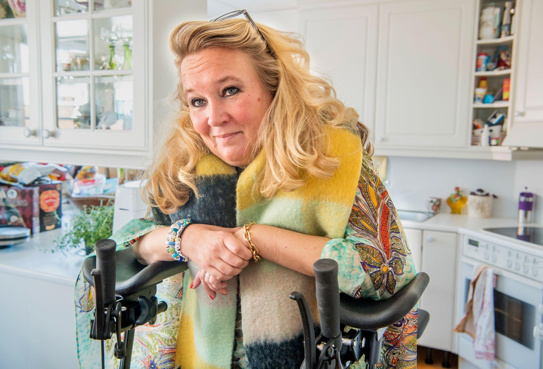BØNN OM HJELP: – Mens vi venter på politikerne vil personer med ALS bli sykere og sykere. Mange kommer til å dø, skriver Cathrine Nordstrand.