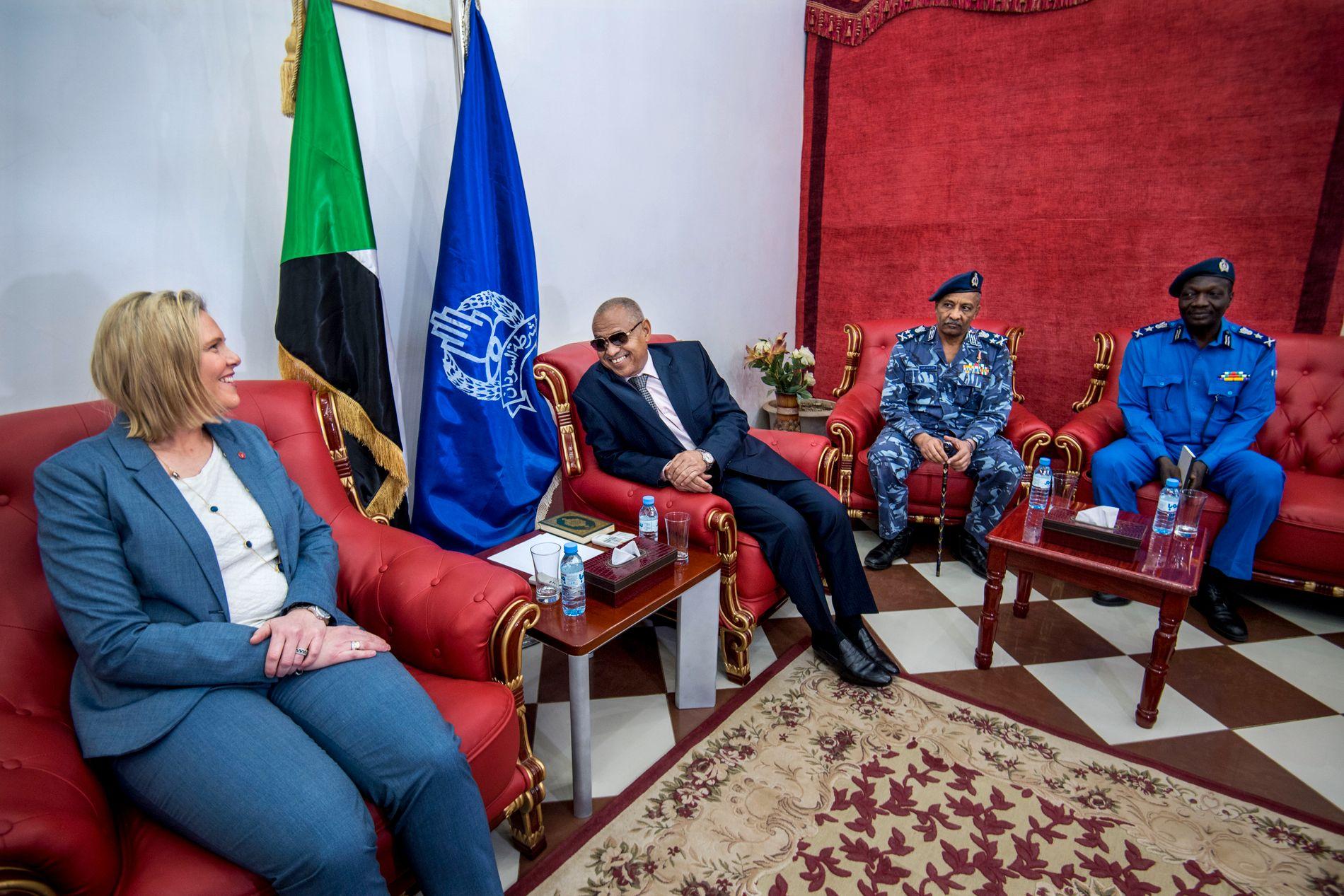 MIGRASJON: Innvandrings- og integreringsminister Sylvi Listhaug (t.v.) og Sudans innvandringsminister er ikke bare enige om hvordan migrasjonen mellom Afrika og Europa skal håndteres.