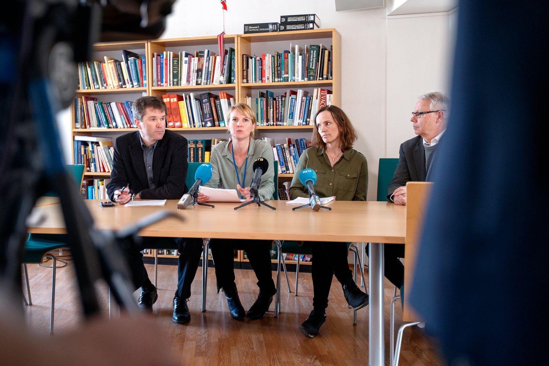 NYE TALL: Folkehelseinstituttet holdt en pressebrief om zika-viruset onsdag morgen. Smitteverndirektør John-Arne Røttingen (fra venstre), Line Vold, Tone Brun og Sverre Harbo (Helsedirektoratet).