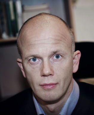 TIDLIGERE AKTOR: Forsvarsadvokat Svein Holden var blant annet aktor i rettssaken mot terrorsiktede Anders Behring Breivik. Foto: Therese Alice Sanne