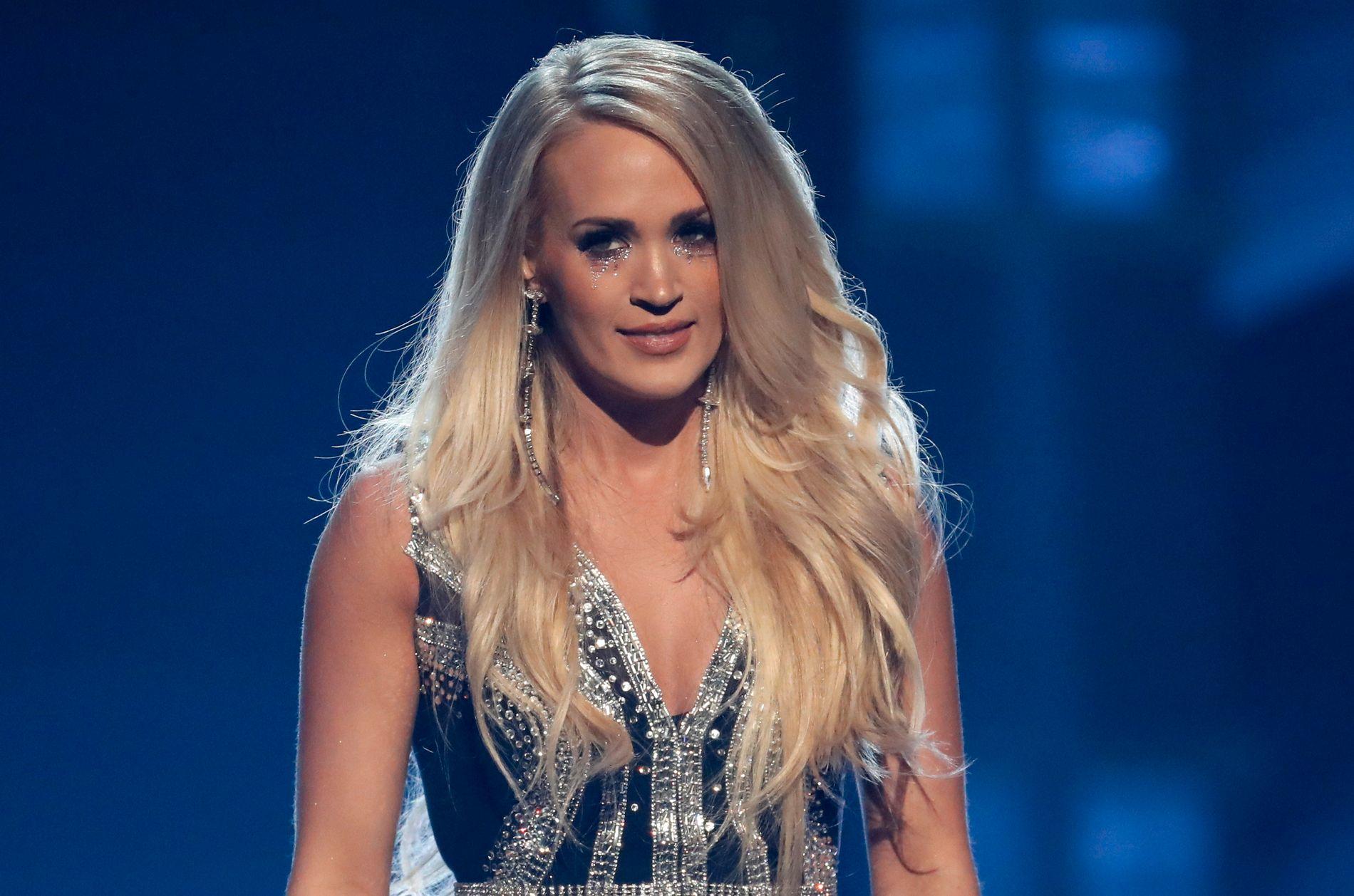 COUNTRYDRONNING: Carrie Underwood på  Academy of Country Music Awards i Las Vegas natt til mandag.