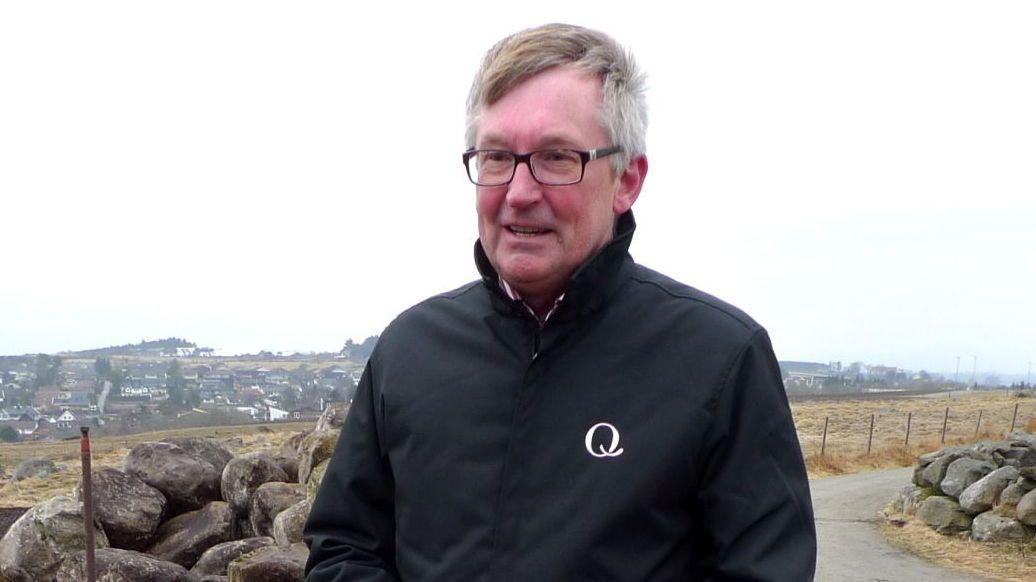LANGER UT MOT STATEN: Siden Q-meieriet introduserte nordmenn for den islandske fettfattige og proteinrike yoghurten Skyr i 2009, har selskapet doblet omsetningen. Men direktør Bent Myrdahl i Q-meieriene er ikke fornøyd.