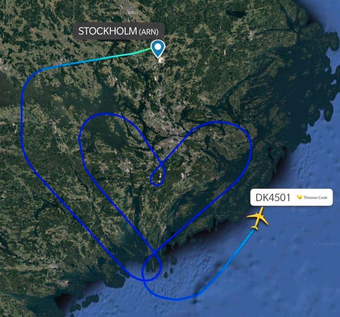 HJERTELIG HIMMELHILSEN: Onsdag var varmet to piloter opp den svenske himmelen da de tok en flytur i hjerterute.