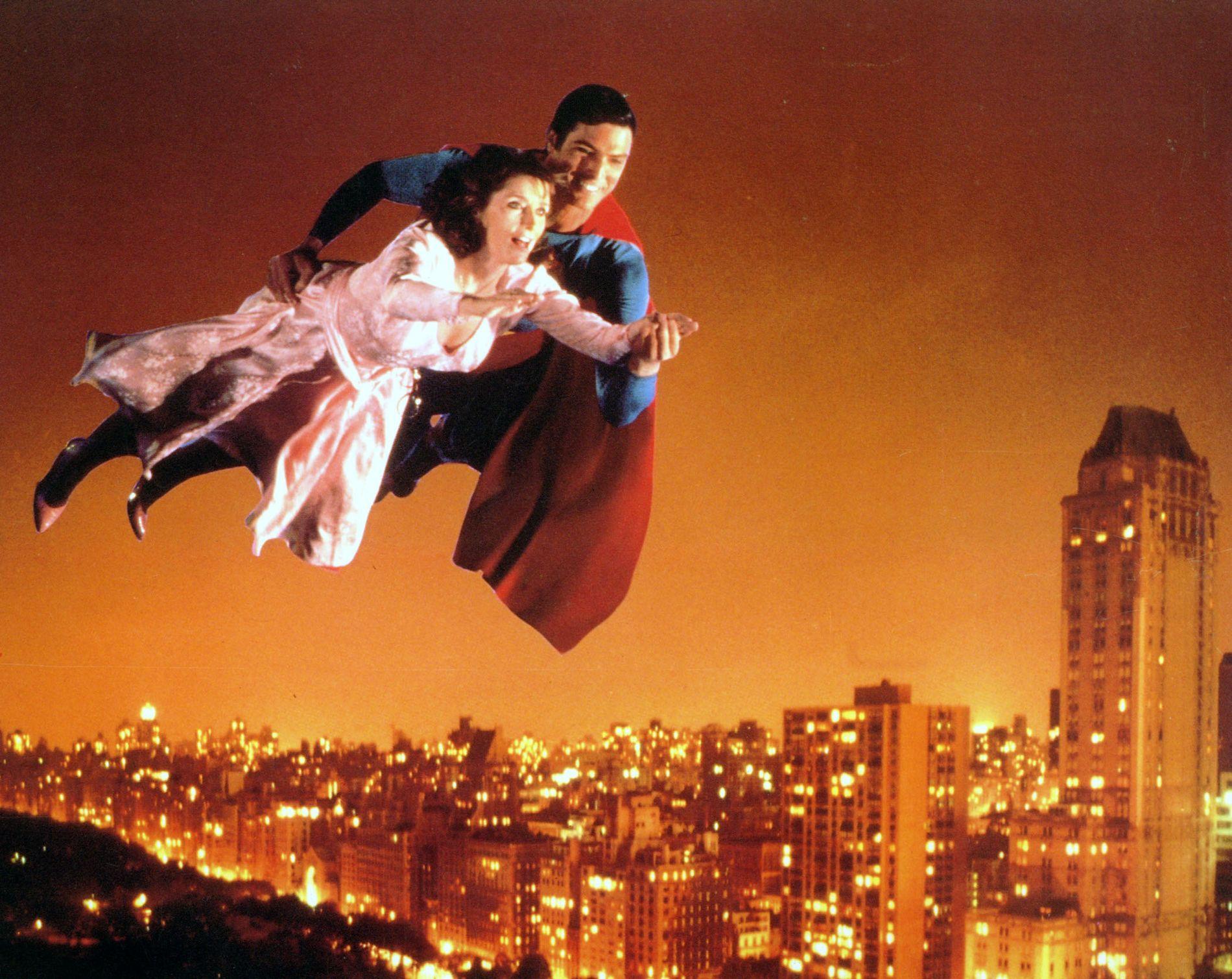 SPILTE I FIRE SUPERMANN-FILMER: Margot Kidder, her som Lois Lane sammen med Christopher Reeve i «Supermann IV»