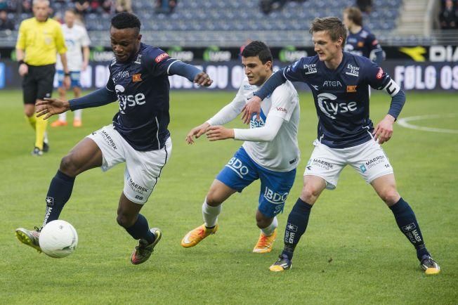 BEST I MØRKEBLÅ: Samuel Adegbenro og André Danielsen var hakket hvassere enn Mohamed Elyounoussi.