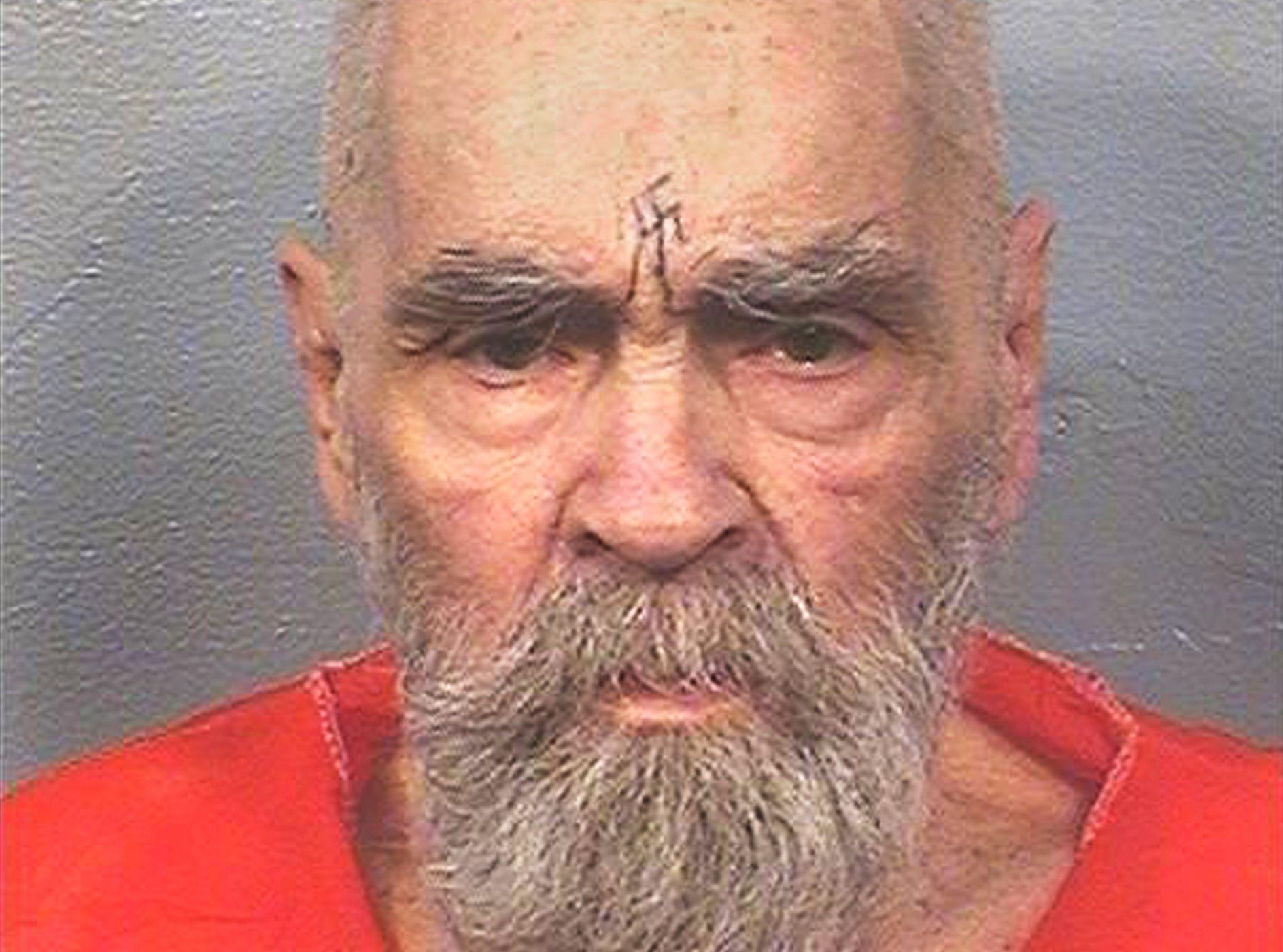 AVDØD KULTLEDER: Charles Manson fotografert i august.
