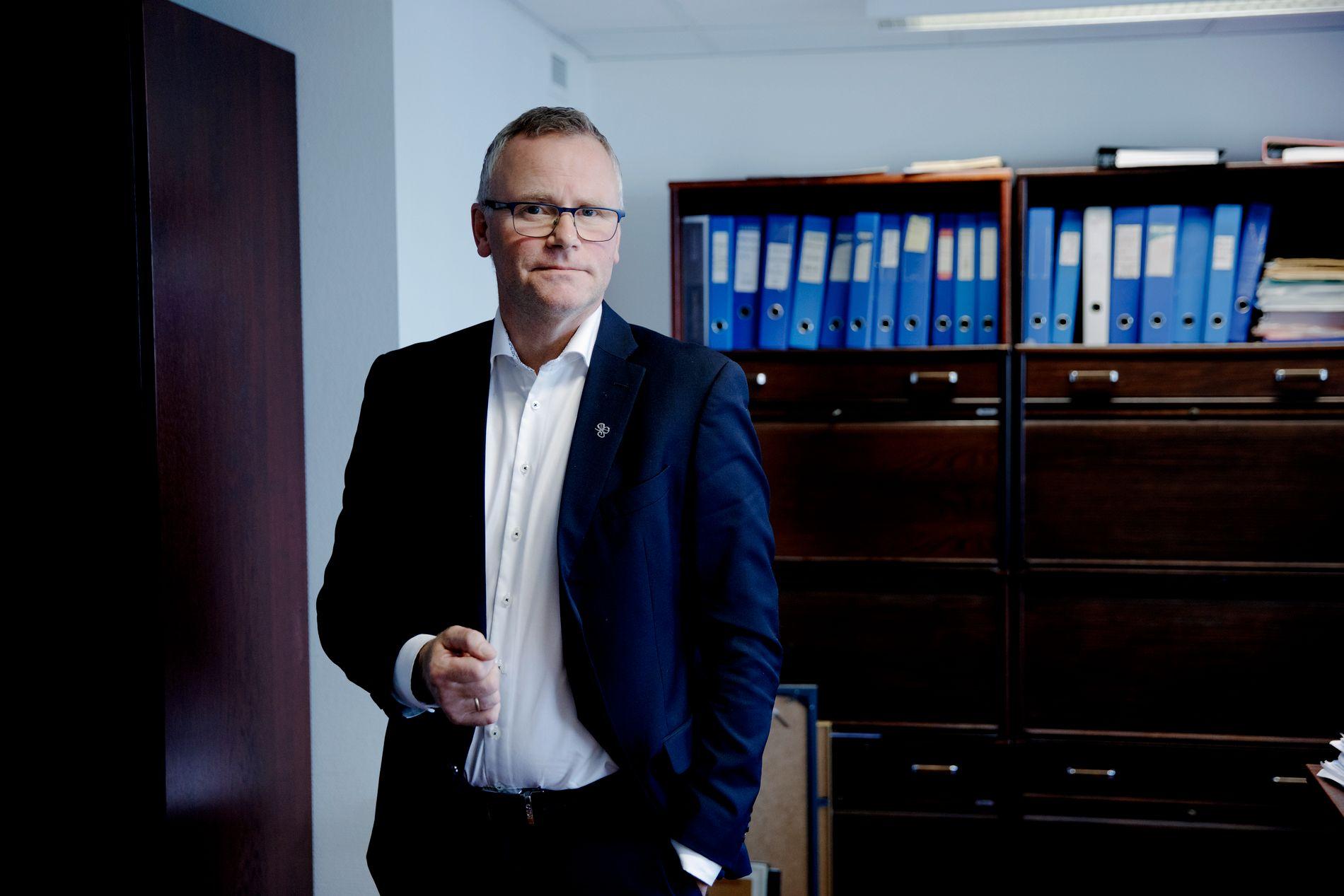SVARER: Eirik Stolt-Nielsen er førstestatsadvokat.