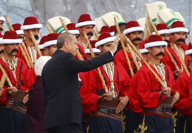 STERK MANN: Tyrkias president Recep Tayyip Erdogan på et valgmøte i Istanbul.