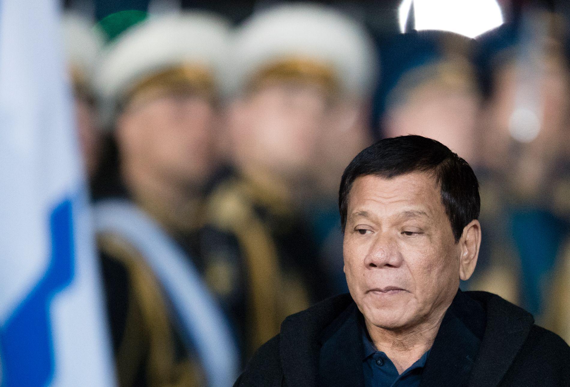 I RUSSLAND: Filippinenes president Rodrigo Duterte landet mandag i Moskva, hvor han blant annet har møtt Vladimir Putin.