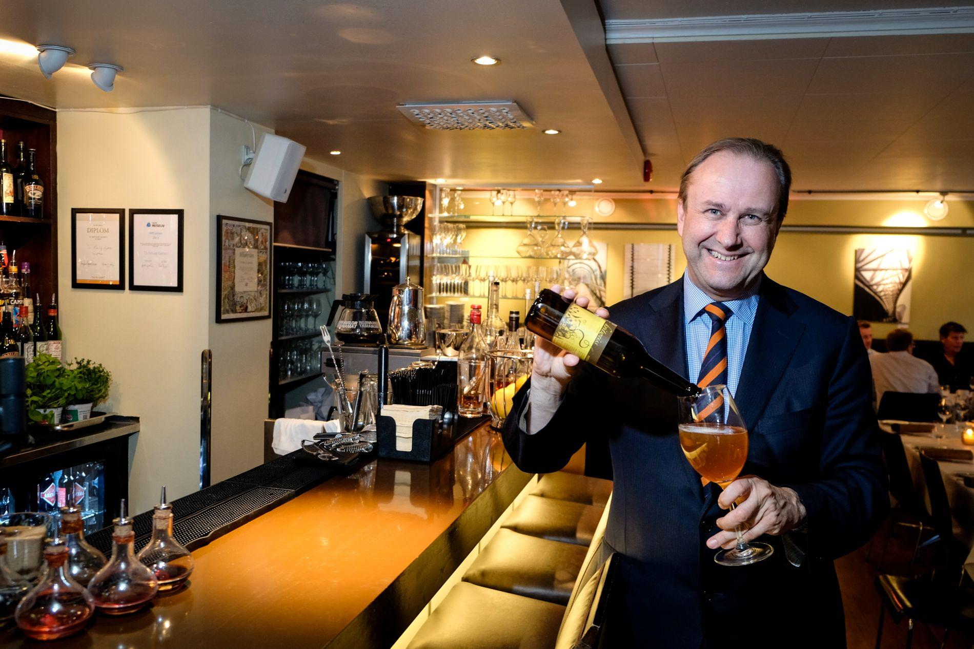 MATGLAD: Roar Hildonen hadde ansvaret for mat fra Trøndelag under FIS-kongressen i Hellas for Trondheim 2023. Her fra sin egen restaurant i Trondheim i 2014.