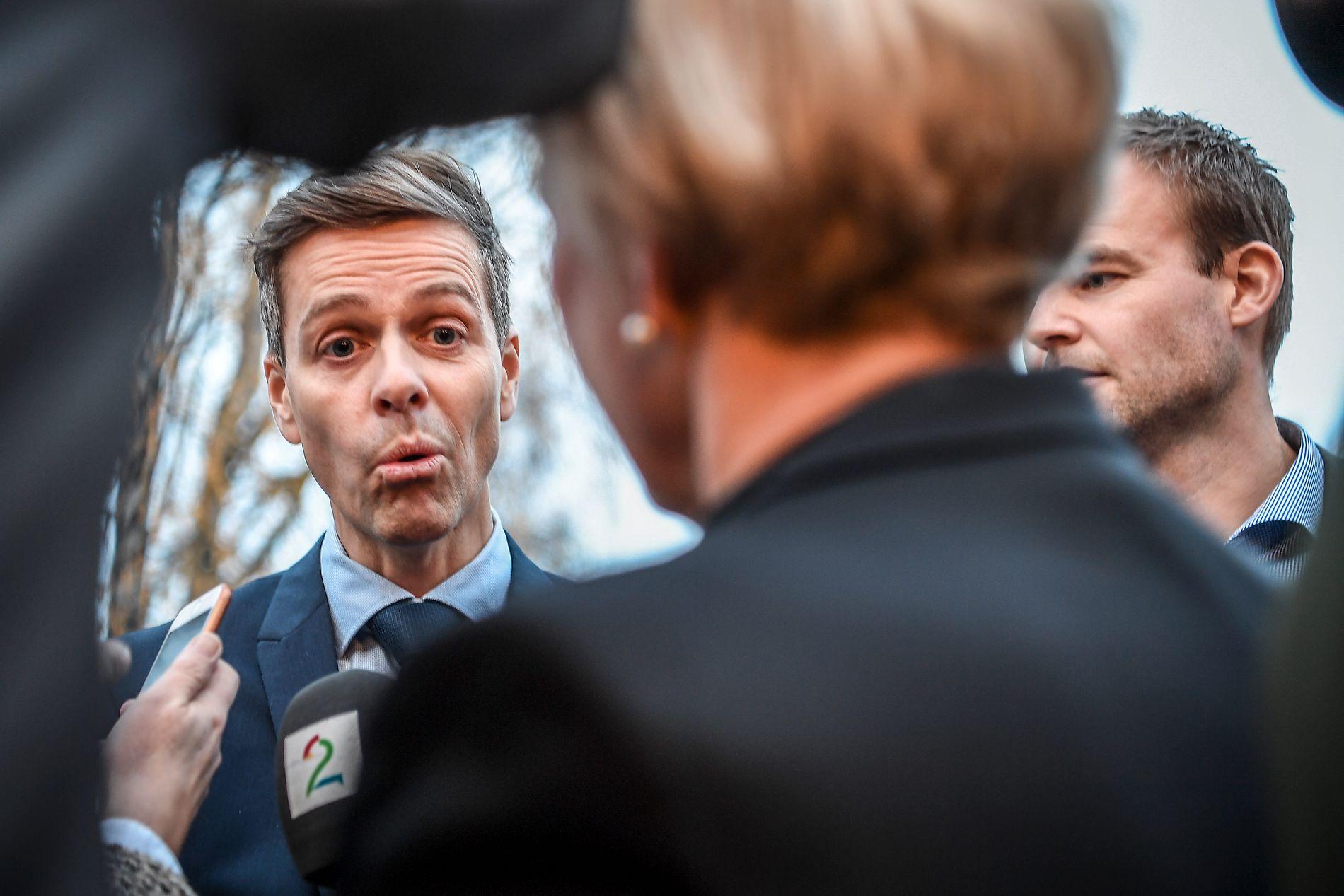 MOT HVERANDRE: I møtet i Noresund skal Knut Arild Hareide og Kjell Ingolf Ropstad debattere mot hverandre.
