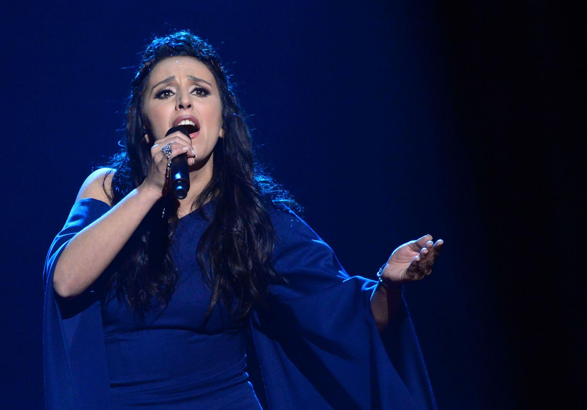 POLITISK VINNER: Ukrainske Jamala gikk helt til topps i en thrilleravstemning i årets Eurovision Song Contest - og det med en politisk ladet sang, hvilket vanligvis ikke er lov i Eurovision.