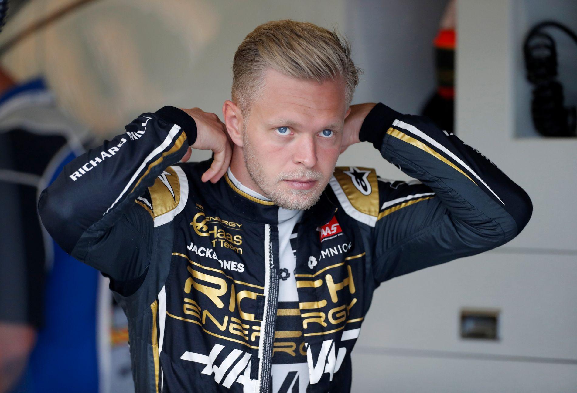 DISHAASTER: Kevin Magnussen forsvant ut av løpet tidligere etter et uhell som involverte Haas-lagkameraten Romain Grosjean.