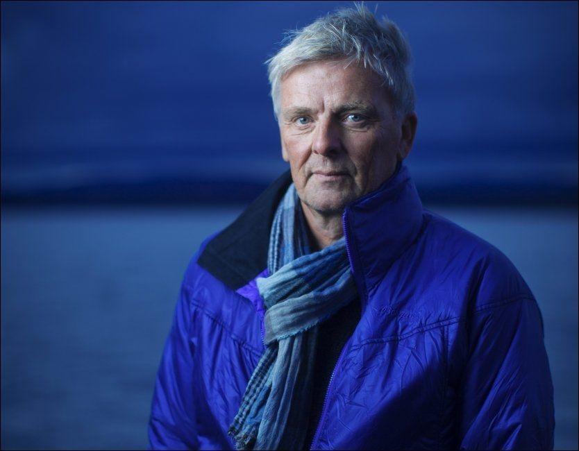 TV-VETERAN: Tom Strømnæss slutter aldri å la seg fascinere av historiene de kommer over gjennom arbeidet med «Åndenes makt». Foto: Kyrre Lien