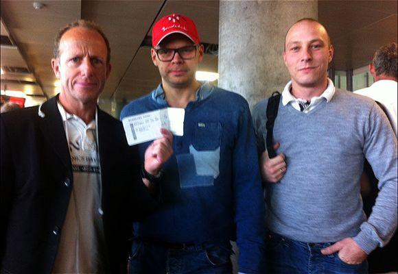 Norwegian-kunder har ventet på flyavgang siden lørdag ettermiddag: - Har ikke fått så mye som en flaske vann