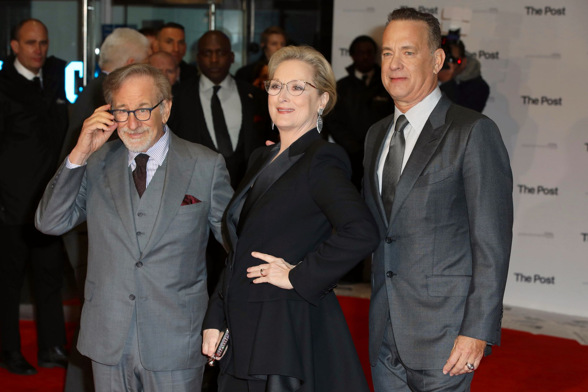STJERNELAG: Steven Spielberg, Meryl Streep og Tom Hanks under lanseringen av «The Post» i London torsdag.